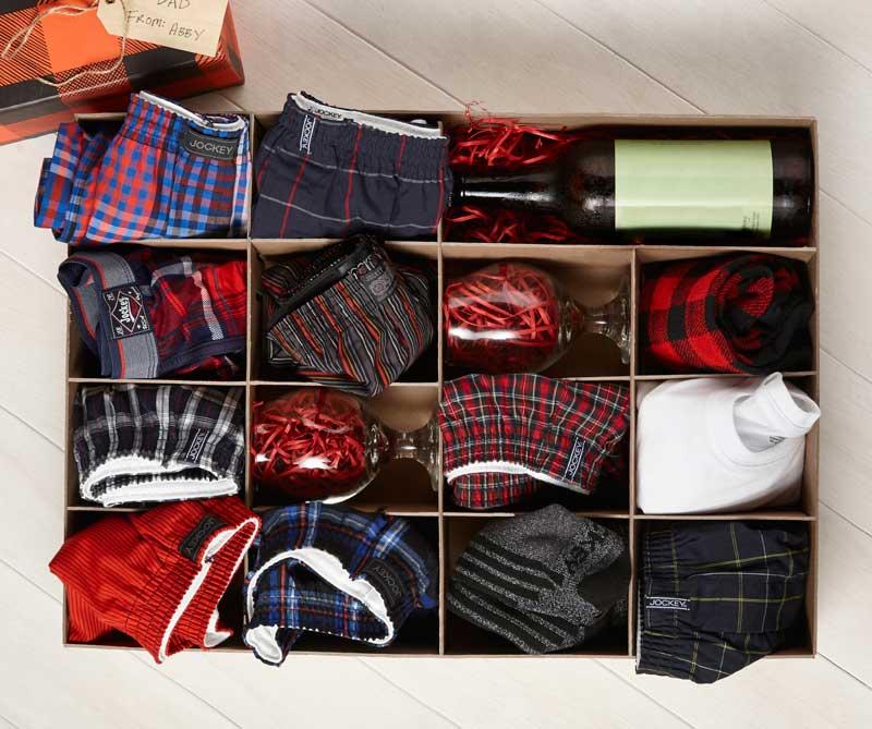 Упаковать мужские трусы на подарок