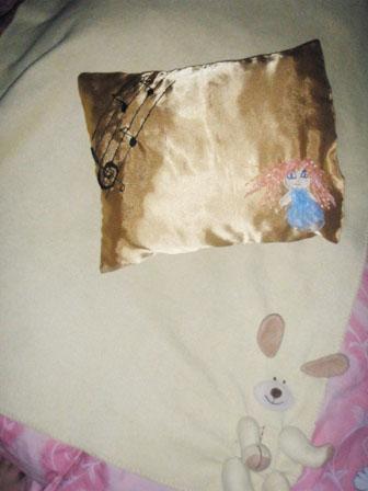 декоративная подушка своими руками с вышивкой