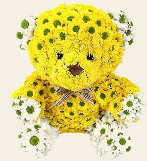 медвежонок с живых цветов