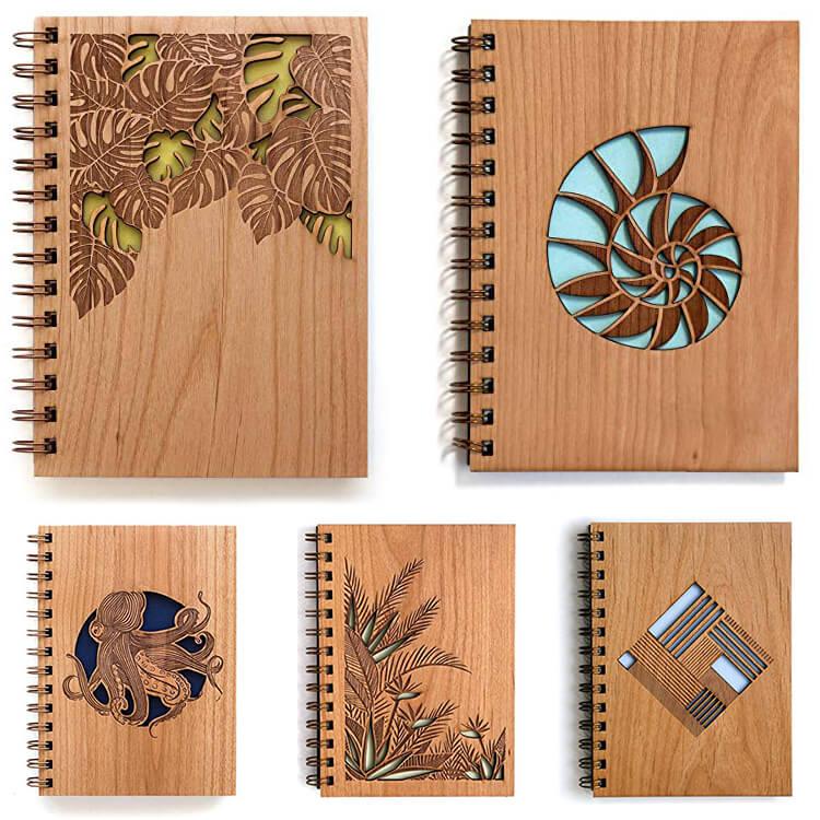 блокнот с деревяной обложкой
