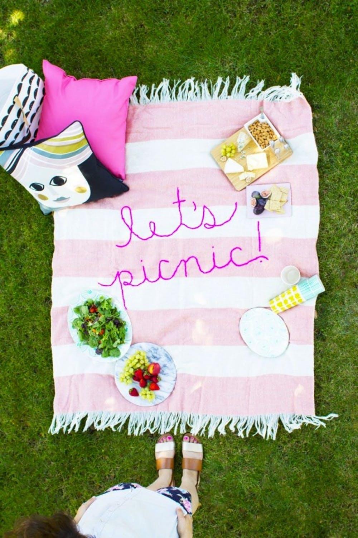 вышитое покрывало для пикника