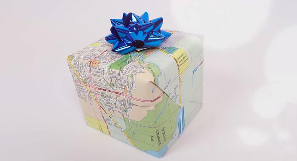упаковка подарков картой