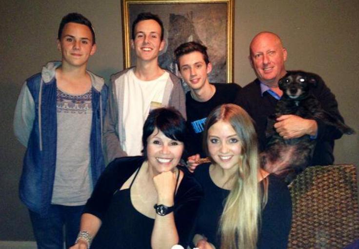 Трой Сиван семья