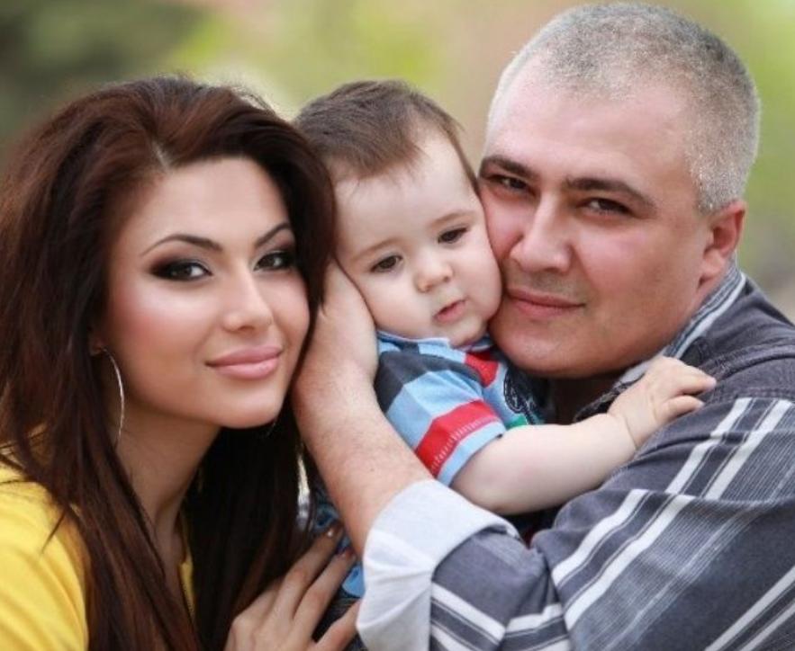 Самира Гаджиева с братом и племянником