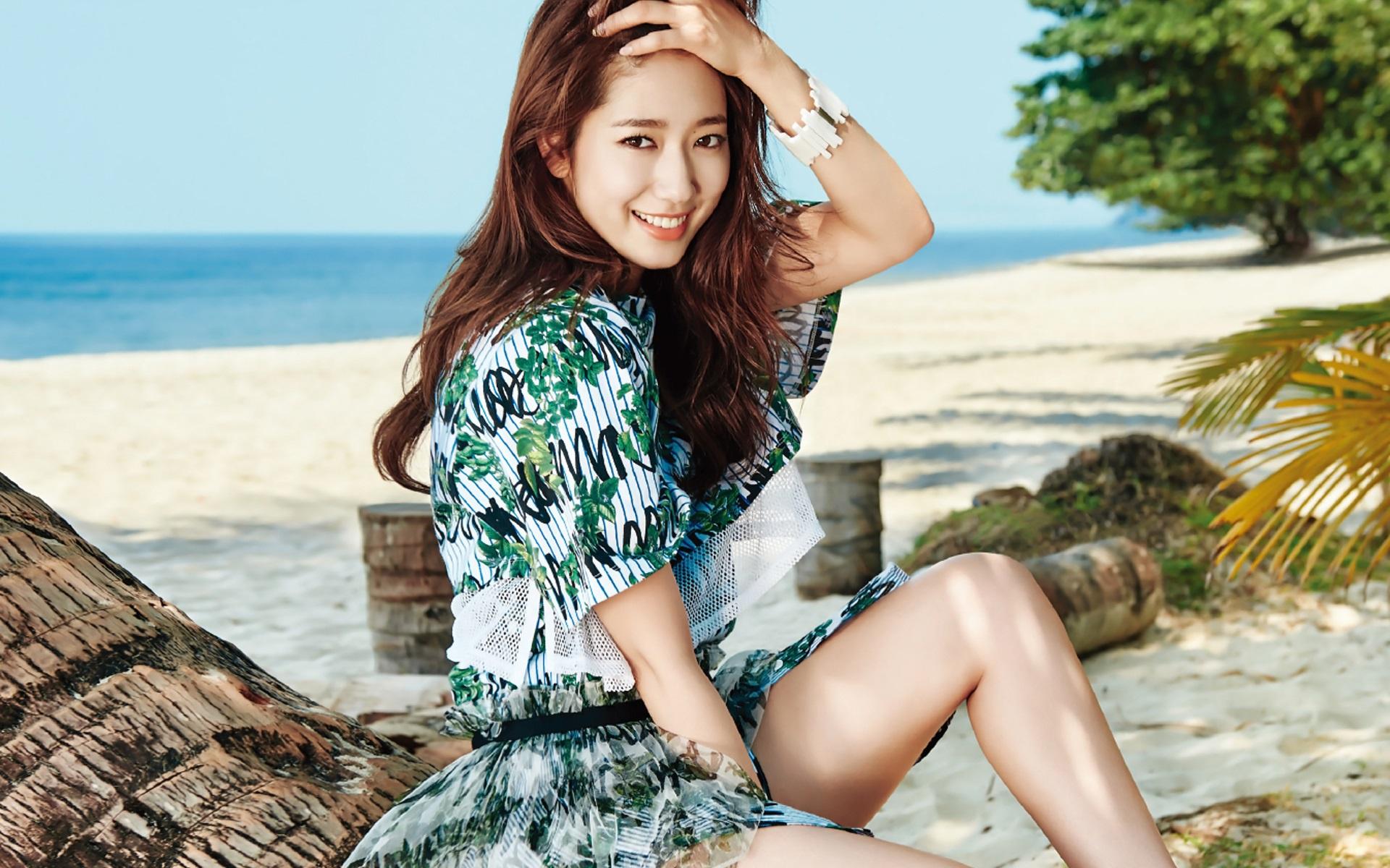 актриса Пак Шин Хе