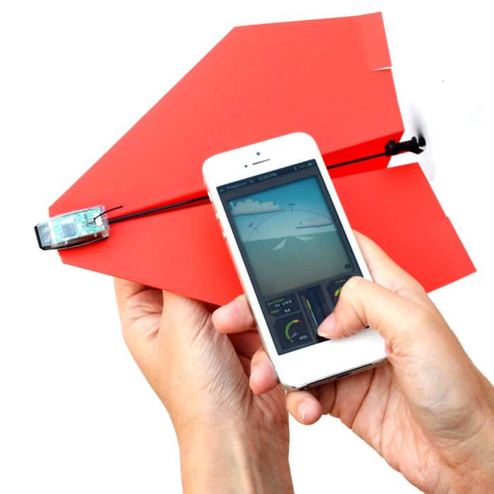 бумажный самолетик на радиоуправлении